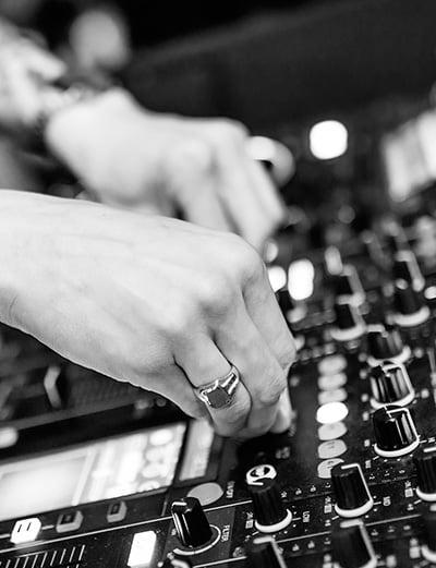 bouchons d'oreille sur mesure pour musicien et filtrer les décibels linéaires